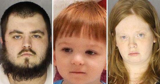 شلیک کودک 3 ساله به پدر و مادرش (عکس)