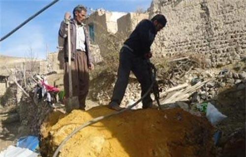 سنگی که جهیزیه یک عروس را نابود کرد (عکس)