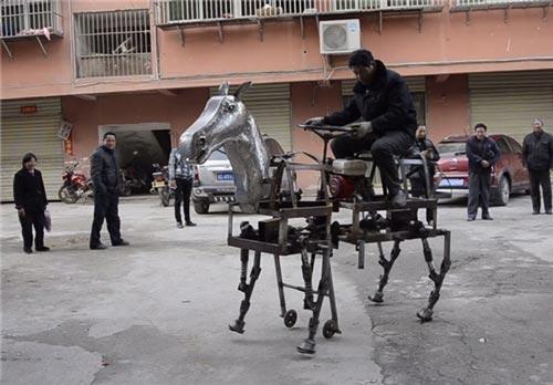 این اسب با نفت کار می کند! (عکس)