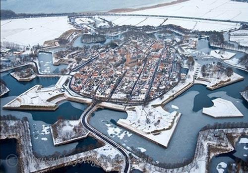 هیجانی ترین شهرهای برفی جهان (عکس)