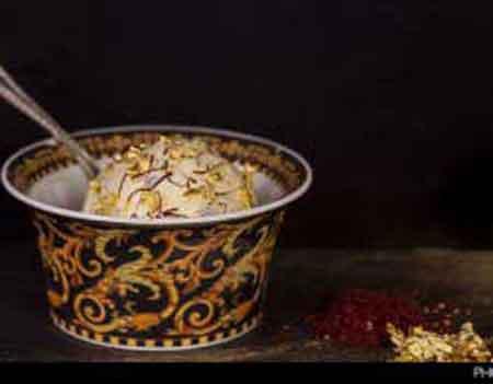 سرو گرانترین بستنی جهان با زعفران ایرانی (عکس)