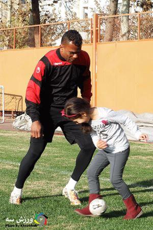 دختری که سوژه تمرینات ورزشی شد! (عکس)