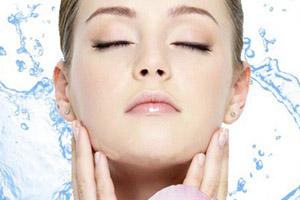 دو راه حل برای آبرسانی پوست در خانه