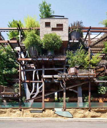 خانه ی جالبی که از 150 درخت ساخته شده (عکس)