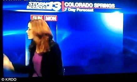 فحاشی خانم گزارشگر در برنامه زنده (تصویر)