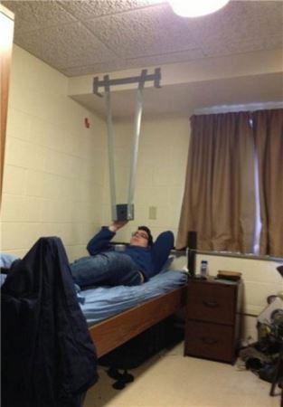 عکس های خنده دار افراد تنبلی که مبتکر شدند