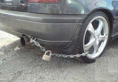 ابتکارهای خنده دار از قفل کردن ماشین ها