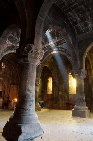 صومعه تاریخی گغارد در ارمنستان (عکس)