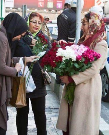 دختر گل فروش تجریش سوژه داغ رسانه ها شد (عکس)