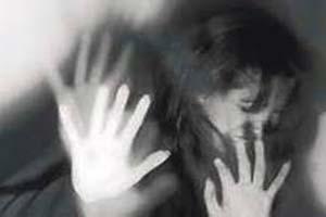 تجاوز به زن شوهر دار مقابل فرزندانش! (عکس)