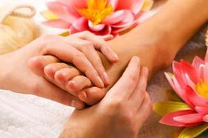 راه درمان ترک و خشکی کف پاها