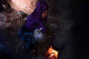 زندگی باورنکردنی زن بدون دست! (عکس)