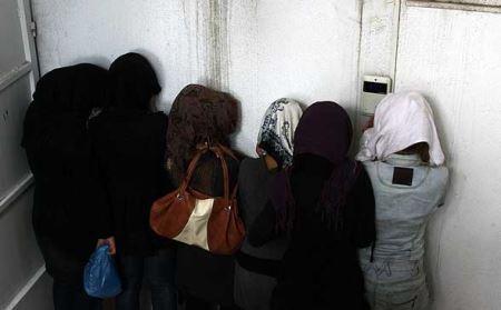 80 دختر و پسر در پارتی شبانه دستگیر شدند (عکس)