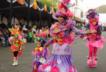 فستیوال خیره کننده رقص و شادی در اندونزی (عکس)