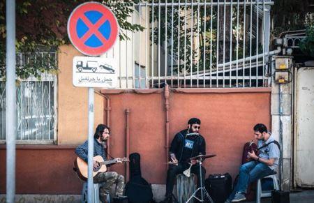 جنجال کنسرت های خیابانی در تهران!! عکس