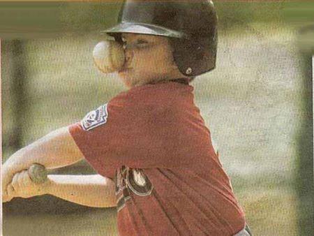 عکس های خنده دار برخورد توپ به صورت