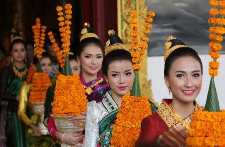 دختران دیدنی در جشن باشکوه آب پاشی (عکس)