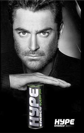 مدل شدن محمدرضا گلزار برای تبلیغات نوشابه انرژی زا ! (عکس)