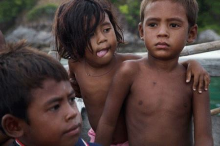 مردم روستایی با نیروهای ما فوق انسانی (عکس)