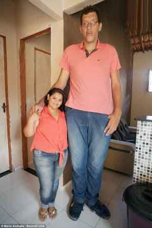 ازدواج عجیب زنی که یک متر از شوهرش کوتاهتره (عکس)