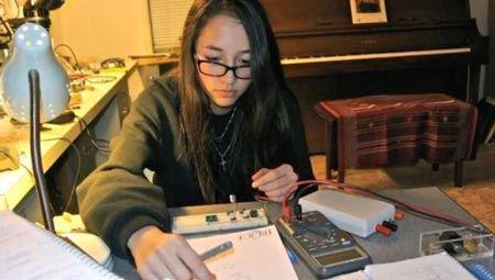 دختری با اختراع جالبش دنیا را شگفت زده کرد (عکس)