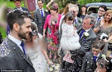 دختری که در عروسی  همه را شگفت زده کرد (عکس)