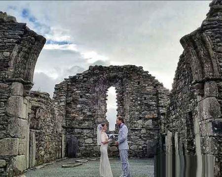 زوجی که هر جا برسند ازدواج می کنند ! عکس