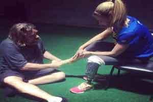 دو ماراتون دیدنی یک دختر زیبا با پای مصنوعی !!