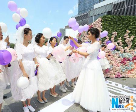 مسابقه دوی جذاب عروس های دونده (عکس)