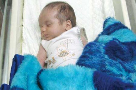 جنجال پیدا شدن نوزاد 20 روزه شکنجه شده در پارک قیطریه (عکس)