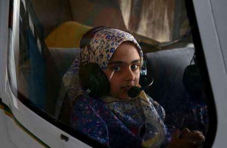 اولین و کوچکترین دختر ایرانی بر فراز آسمان (عکس)