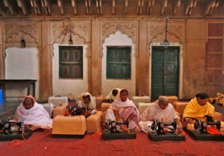 تنها شهر زنان بیوه در دنیا (عکس)