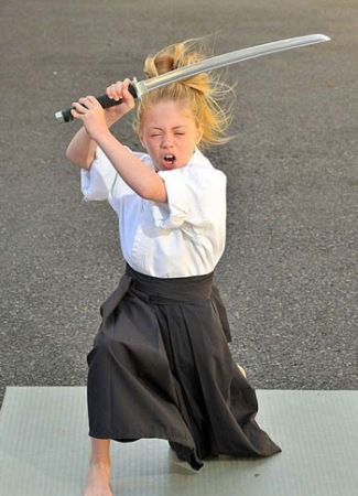 دختری که اعجوبه ووشوی دنیا شد! (عکس)