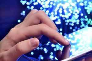 هک کردن تلفن همراه تنها با یک انگشت!!