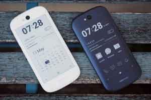 عرضه گوشی های جدید با دو صفحه نمایش ! عکس