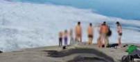 زلزله به خاطر انتشار تصاویر برهنگی 10 کوهنورد ! (عکس)