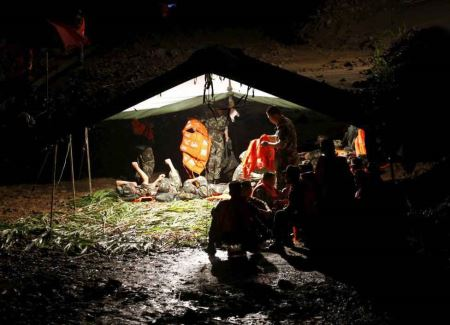 گزارش تصویری از غرق شدن 458 نفر در رودخانه
