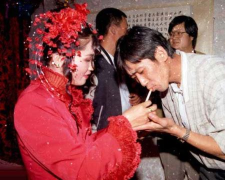 عکس های داغ از رسم عجیب عروس ها در چین