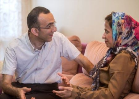 زنی که عاشق ازدواج با یک مرد معلول است (عکس)