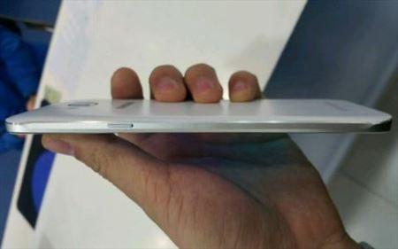 باریک ترین گوشی هوشمند سامسونگ با ویژگی ها (عکس)