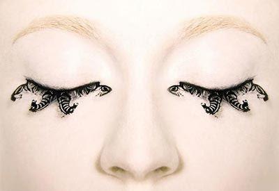 چشمهای این دخترها با مژه های عجیب و غریب (عکس)