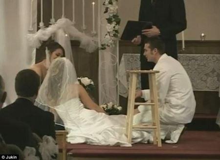 عروسی که در مراسم عروسی غش کرد!! عکس