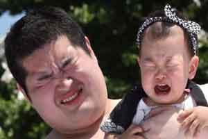 مسابقه جالب گریاندن نوزادان ! (عکس)
