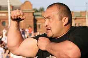 قویترین مرد روسی و ثبت رکورد جالب جهانی (عکس)
