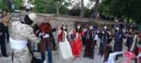 رقص مختلط زنان و مردان با پوشش نامناسب در ایران! (عکس)