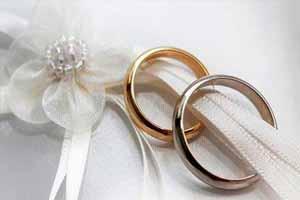 پاسخ دفتر آیت الله خامنه ای به یک کارت عروسی (عکس)