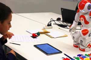 رباتی برای بهبود املاء دانش آموزان