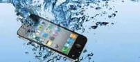 اقدامات اولیه وقتی گوشی شما در آب می افتد