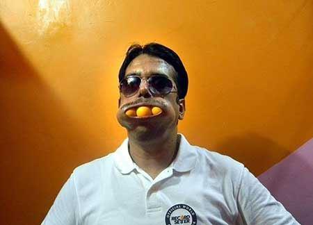 گشادترین دهان جهان به این مرد تعلق دارد (عکس)