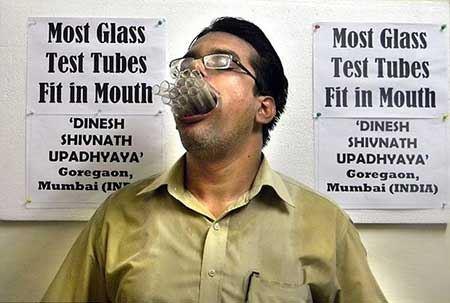 گشادترین دهان با جدیدترین آدم (عکس)